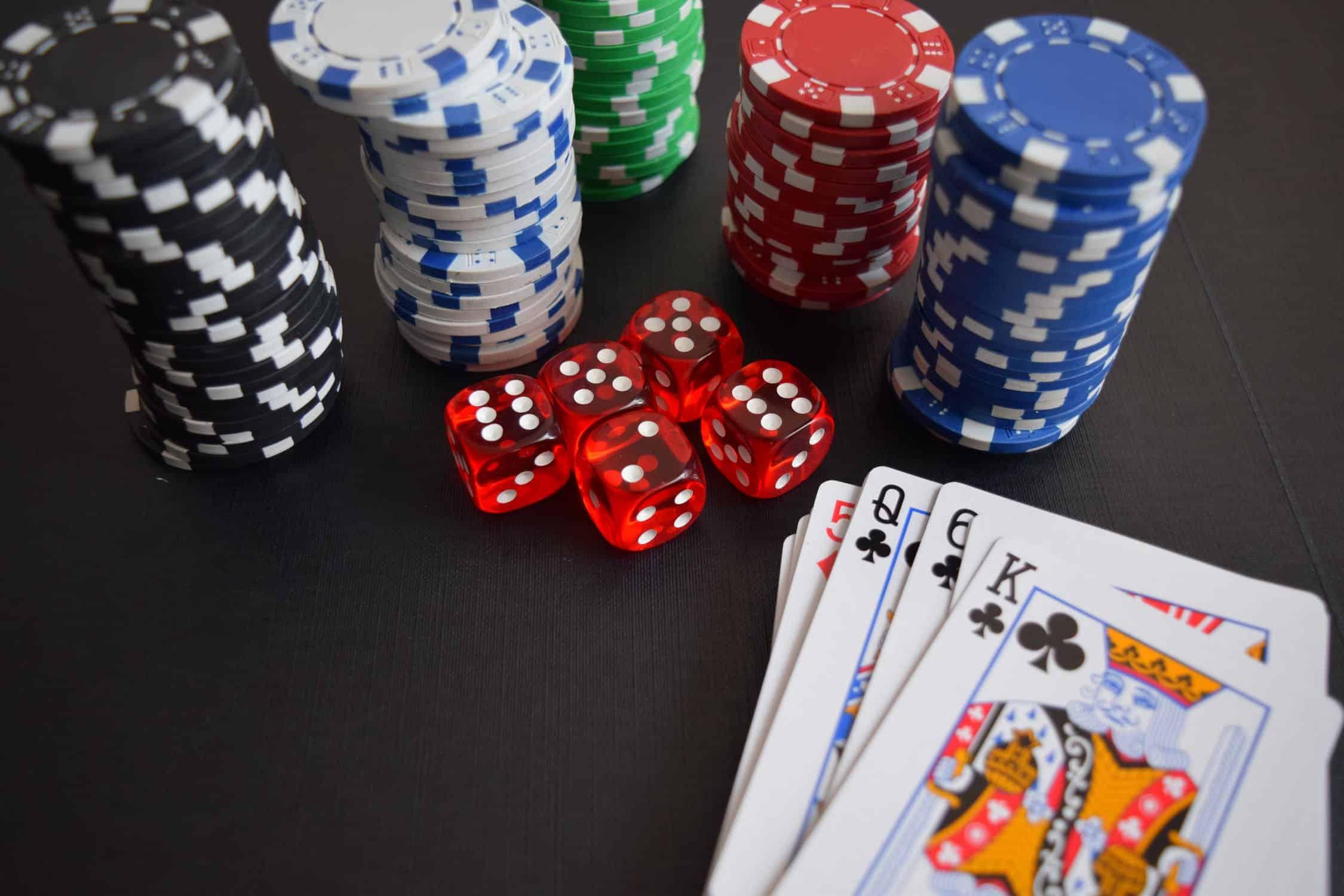 des jetons de poker
