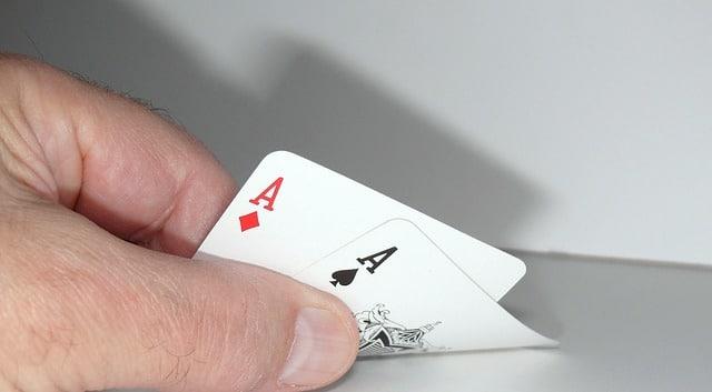 paire d'as au poker