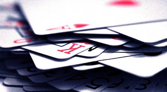 mélanger cartes de poker