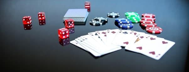 chip dan kartu kasino
