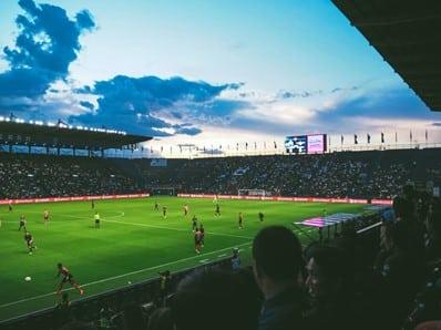lapangan stadion sepak bola